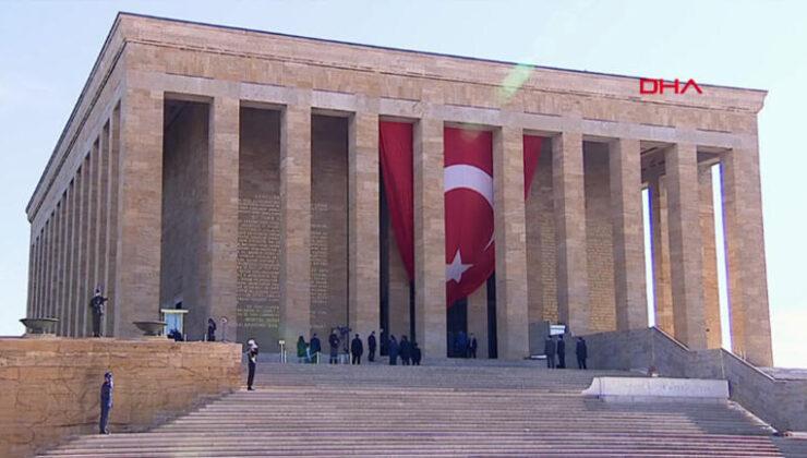 Öğrenci grubundan Atatürk'e hakarete gözaltı