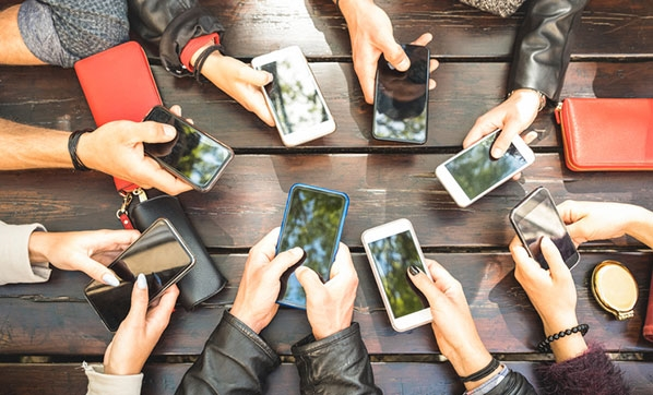Son bir yılda akıllı telefon harcamaları yüzde 50 arttı