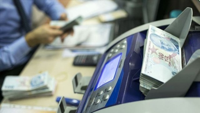 Bazı bankaların çalışma saatleri değişti