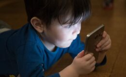 Çocuğunuzu dijitalde kaybetmeyin!