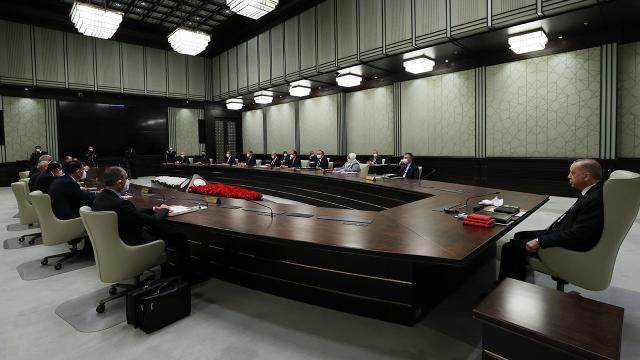 Kabine'de revizyon: İki yeni bakanlık kuruldu