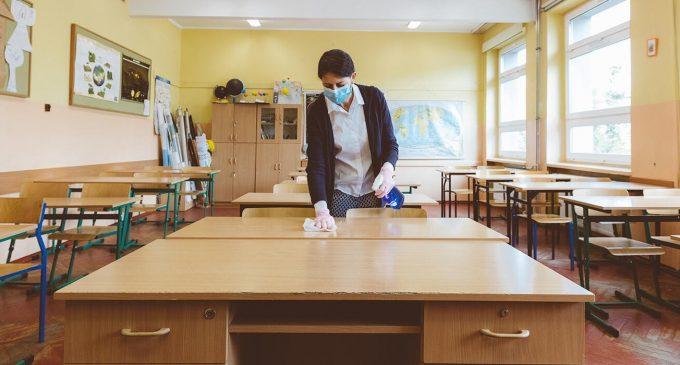 Korona, 31 öğretmeni öğrencilerinden kopardı