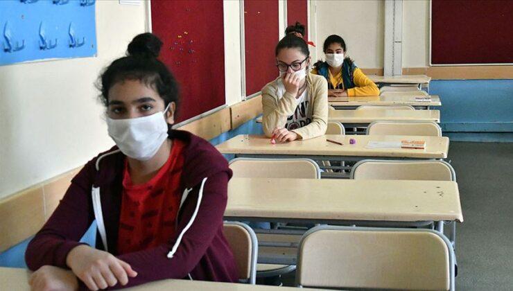 Liseliler yüz yüze sınava gitmek istemiyor