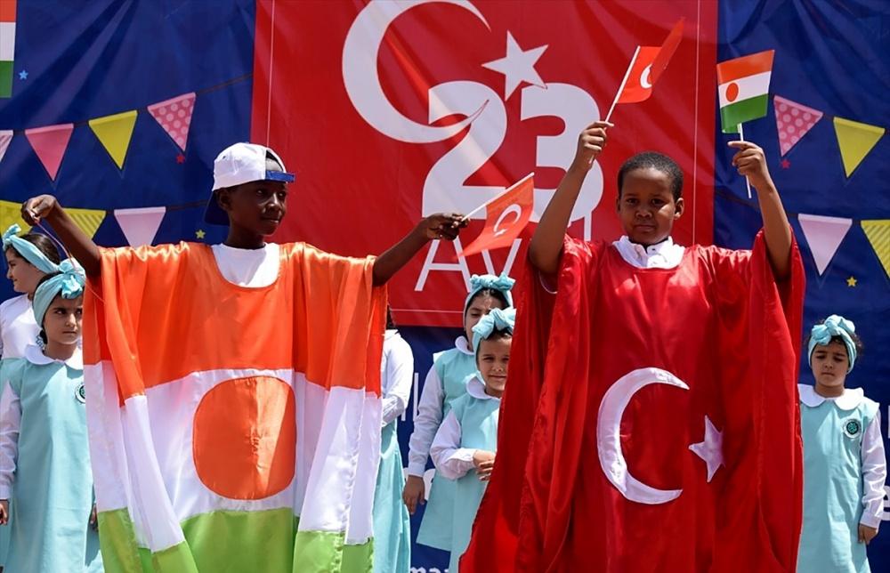 Maarif Okulları 44 ülkede 23 Nisan'ı kutladı