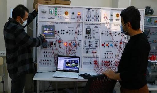 Meslek liseleri kendi deney setlerini üretiyor