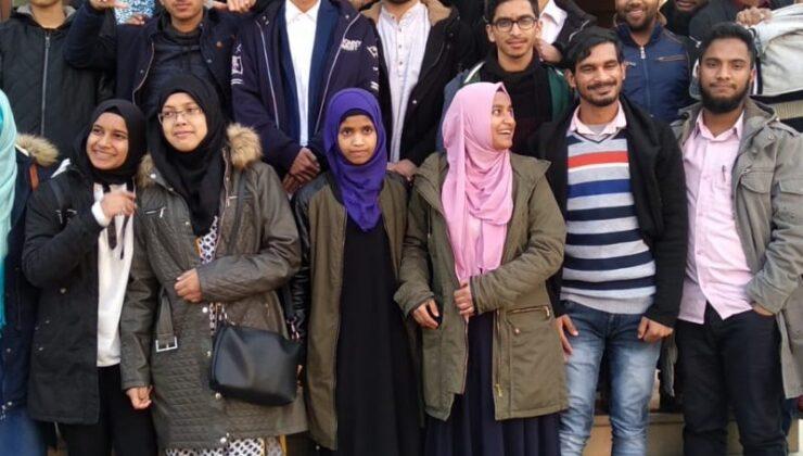 TDV'den Nepalli öğrencilere burs